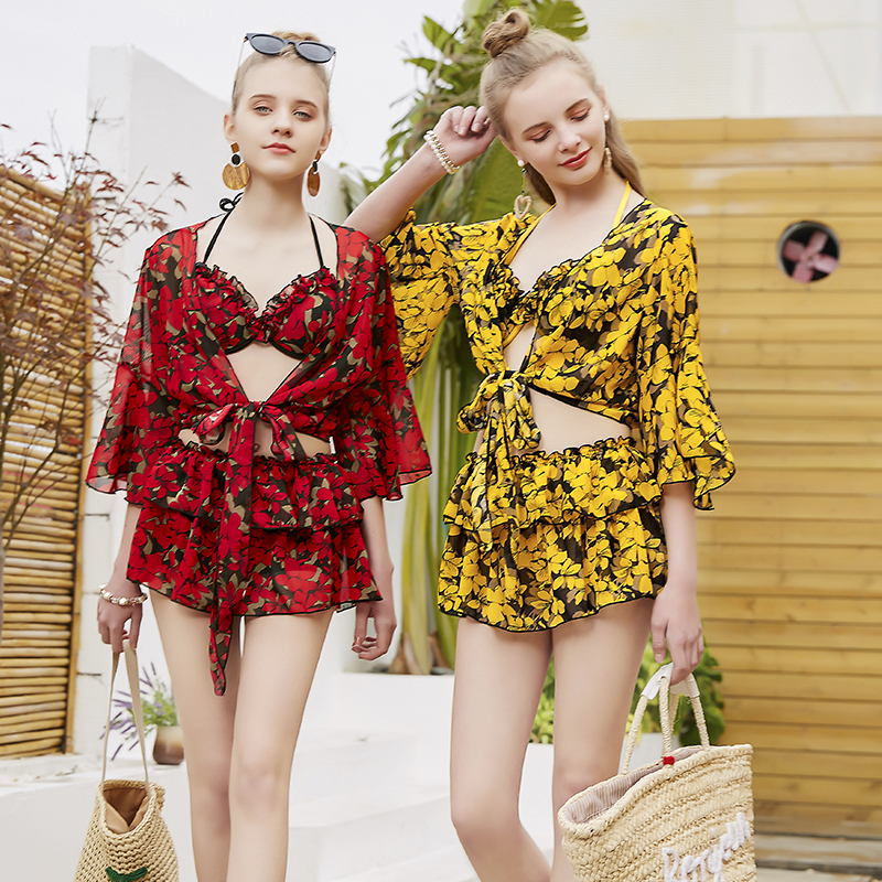 Summer Sexy Flower print cover-ups Three pieces swimsuit 2018 new Young girl Short skirt bikini Swimwear Europe bathing suits sexy flower two pieces swimsuit 2018 new