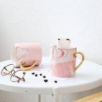 Caneca de café do curso das cores cor-de-rosa do cinza do osso da caneca cerâmica do punho do ouro