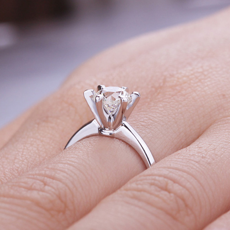 Classic 6 Claws 18K Rose Gold 1 Carat Brilliant Cut Moissanite Gold ...