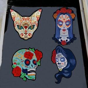 В стиле панк-рок, с принтом в виде черепа, с вышивкой в виде кота, разные стили, с изображением цветов, розы, скелета, колдунницы, утюжок, Байке...