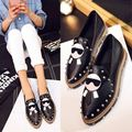2016 Autumn New Fashion pointed toe loafers women rivet flats genuine leather cartoon flats comfortable black casual shoes F601