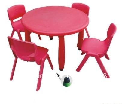Tavoli E Sedie In Plastica Per Bambini.Tavoli E Sedie Per Bambini Plastica Tavoli Per Computer