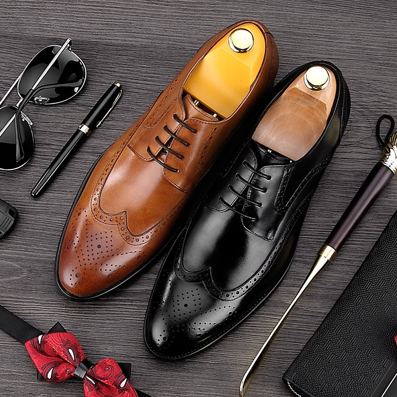 luxury round toe breathable man formal dress shoes genuine leather derby carved oxfords famous men s bridal wedding flats gd78 Vintage British Man Carved Brogue Shoes Top Quality Genuine Leather Formal Dress Oxfords Round Toe Men's Wing Tip Flats MG20