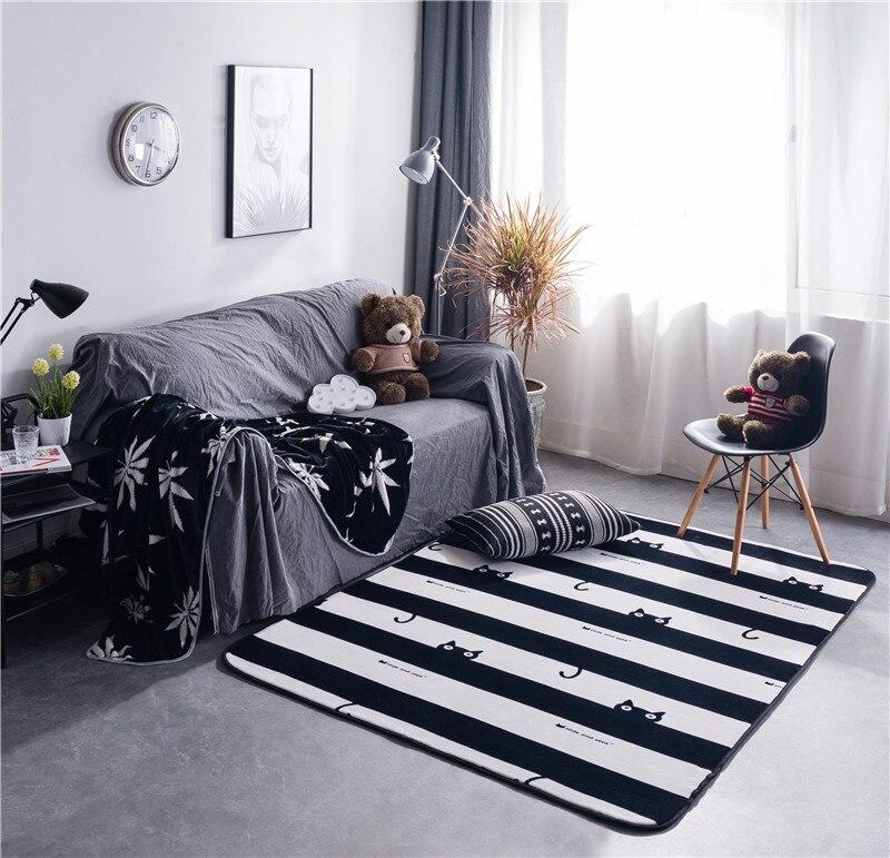 Tapis de sol antidérapants de grande taille de petits tapis mous de flanelle de peluche pour des fournitures à la maison de chambre à coucher de salon de salon