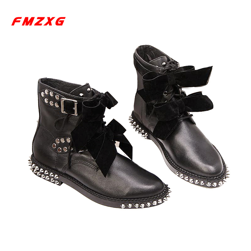 Womens Motorcycle Biker Shoes Women Boots Genuine Leather Rivets Soft Leather Winter Fashion High Quality Butterfly-knot Boots hongyi women motorcycle biker ankle boots glossy leather rhinestone crystal ridding bootie bow butterfly knot shoes thick heels