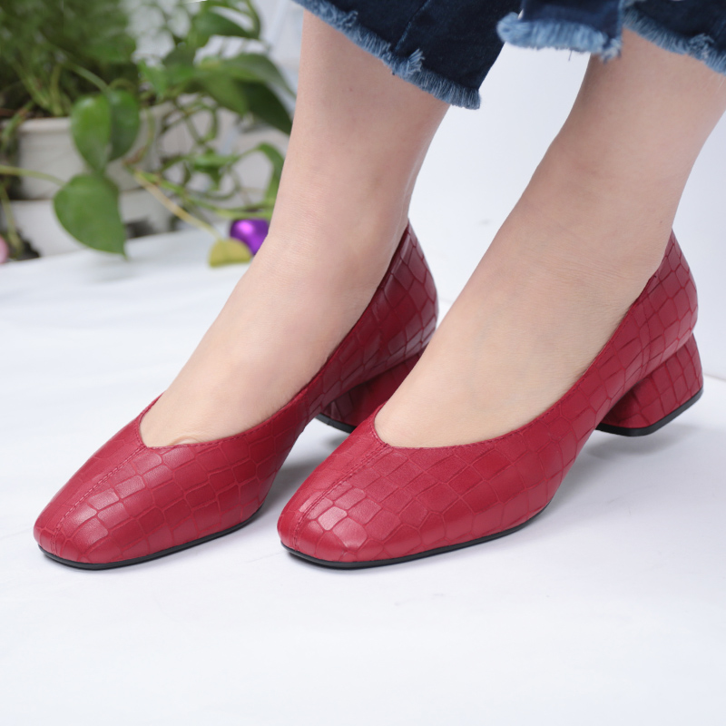 2018 New Hot Sale Genuine Leather Spring Summer Women's Shoes Square Toe Shallow Med Heels Women Pumps Retro Office Lady Shoes e hot sale wholesale 2015 new women fashion leopard flat shallow mouth shoes lady round toe shoes