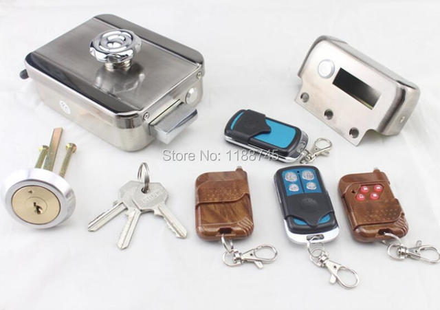 Keyless Entry Smart Remote Door Lock With 4 Remote Control And Keys