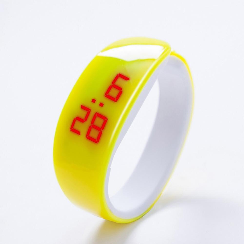 Fashion Men Women LED Sports Bracelet Electronics Digital Display Silicone Wrist Watch Gift Sports Electronic Watch Bracelet Wat