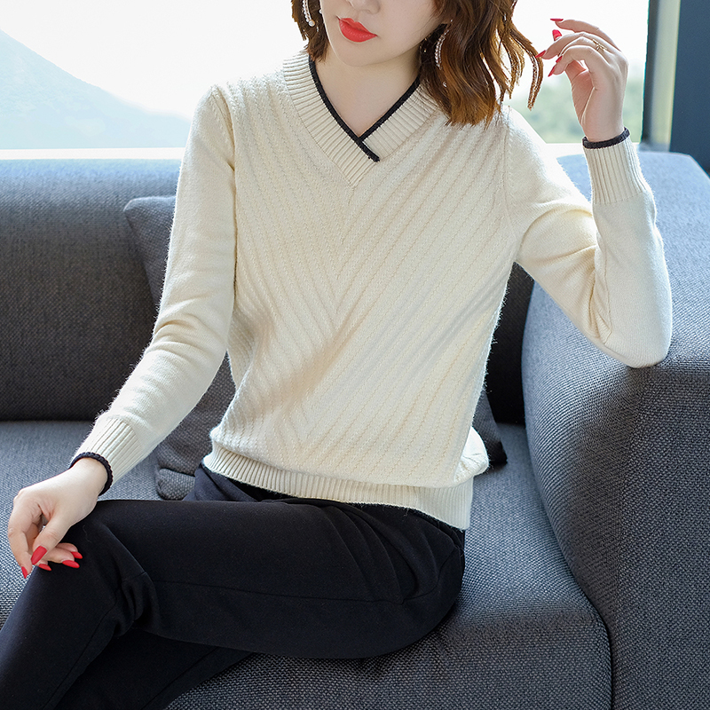 Maternity short bottoming shirt V-neck thin beige wild sweater women Long sleeve autumn and winter pullover sweaters N173 v neck lose fitting knitting pocket long sleeve men s sweater