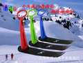 Зимой снег скутер лыжи детей на открытом воздухе игрушки снег трубки снежных снег