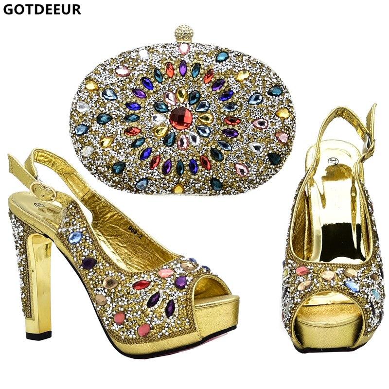 tacchi set Blu Party scarpe decorati con da da design donna sposa Nigeriani  rosso abbinare da ... a6f38f022c2