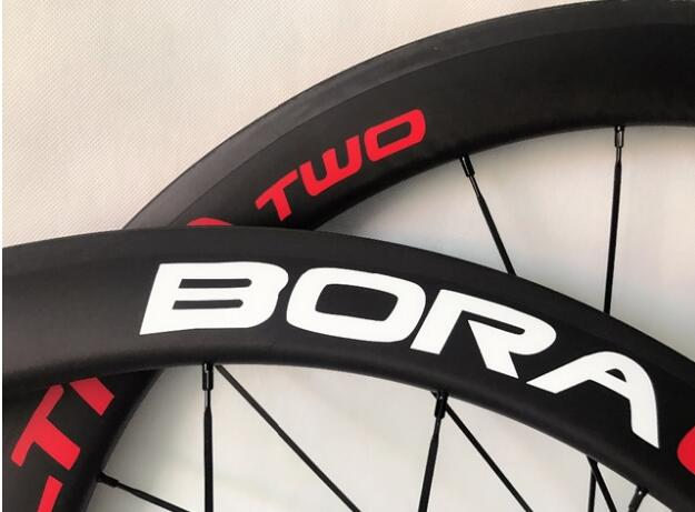 50mm Clincher Tubular 700C Road carbon Bicycle Wheels V brake with 23mm wide racing carbon wheels 3k glossy finish accept OEM far sports carbon wheels 50mm clincher 23mm wide with novatec hub and sapim spokes novatec carbon wheels fsc50cm 23 700c