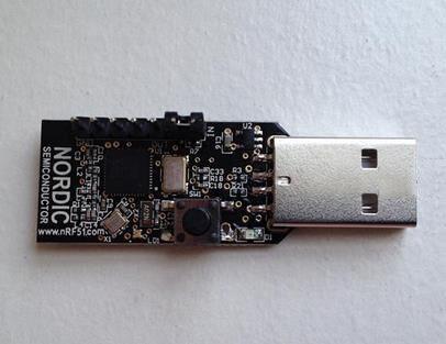Livraison gratuite! nRF51822 USB Dongle2 plus petite carte de développement Bluetooth 4.0 (BLE)