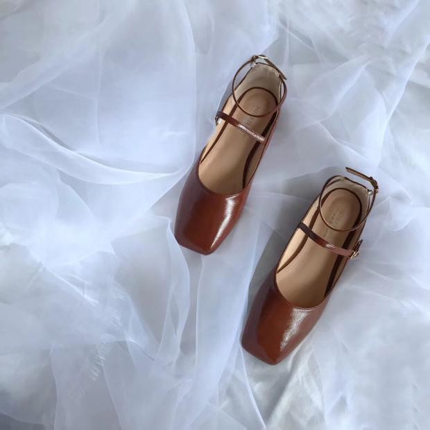 Avec Ensemble Pieds Boucle Pois Sauvage 2018 Carrée De Tête Profonde Confortable Plat Nouvelle Chaussures Simples Fond Chaussures Noir Dames Bouche rouge Peu Simple nZwZTxzHq8