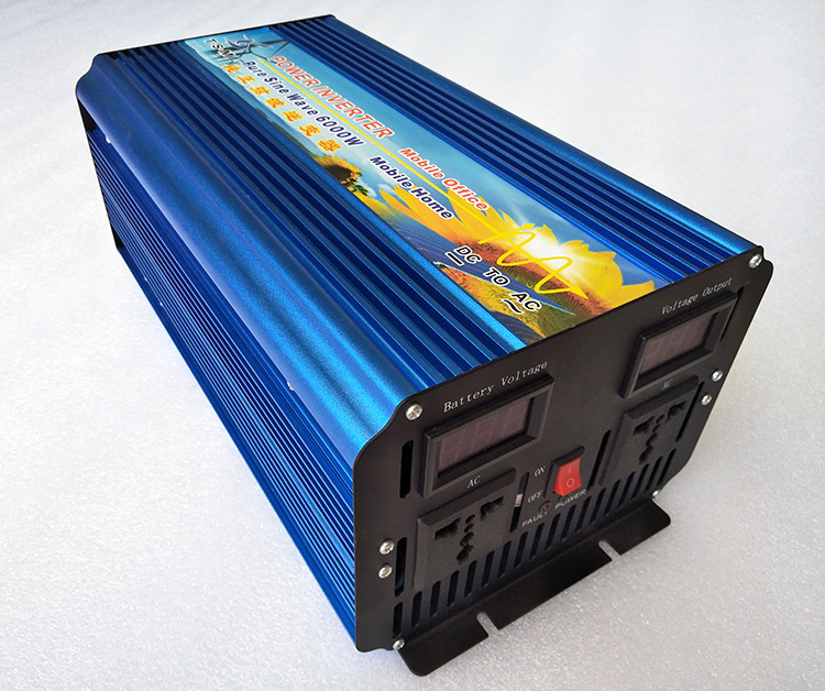 купить dual digital display 6000W surge power 12000W DC48V to AC220V Pure sine wave solar power inverter по цене 40885.28 рублей
