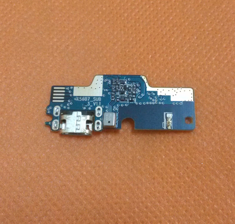 imágenes para USB Bordo Cargo Enchufe Original Para Doogee MTK6753 F5 4G LTE 5.5 pulgadas Octa Core FHD 1920x1080 envío Gratis