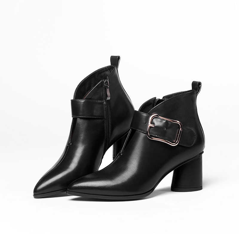 ISNOM ฤดูหนาวหนังแท้ข้อเท้าบู๊ทส์แหลมนิ้วเท้ารองเท้าของแข็งหญิงรองเท้าหนารองเท้าส้นสูงรองเท้าผู้หญิง 2018 สีดำ