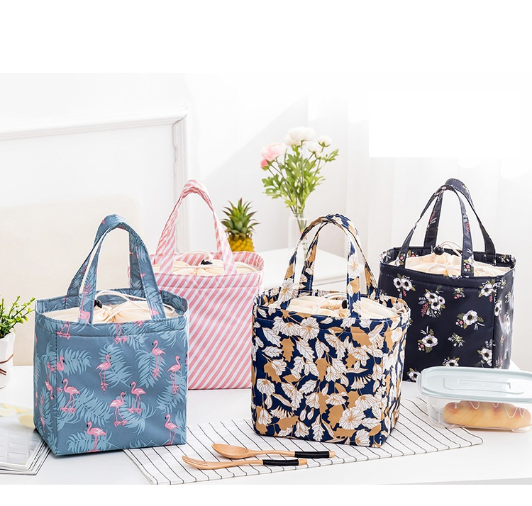 mylb free shipping 2018 new happy fish Lunch Bag oxford fabric Thermal Food Picnic For Women Kids Men Cooler Lunch Box Bag Tote