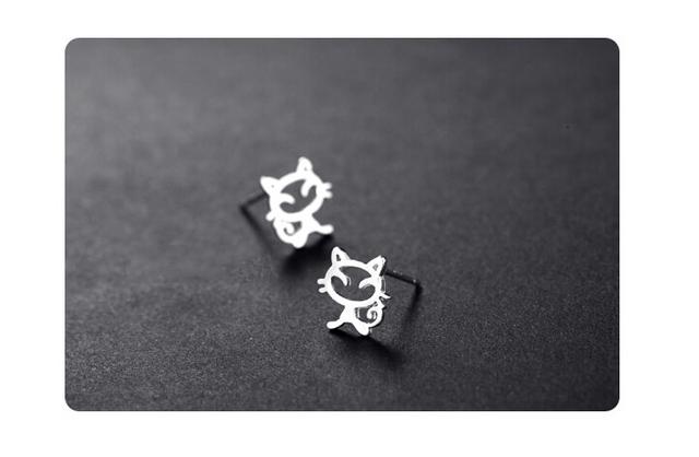 Sterling Silver Cute Cat Earring