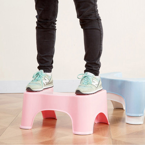 Image 3 - Strongwell 새로운 디럭스 squatty 변기 저렴한 인체 공학적 디자인 화장실 의자 플라스틱 흰색 미끄럼 방지 욕실 화장실 보조 의자