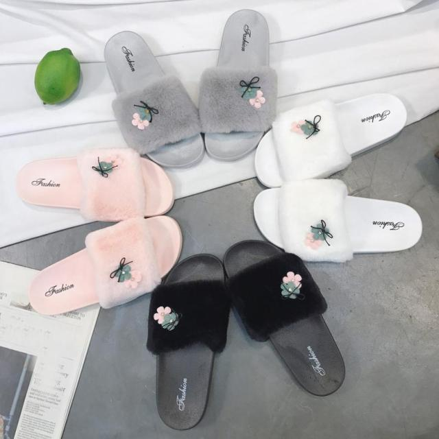a0634a69952a2 Womens Ladies Slip On Sliders Fluffy Faux Fur Flat Slipper Flip Flop Sandal  2018 Ladies Summer Footwear Slippers zapatos H3