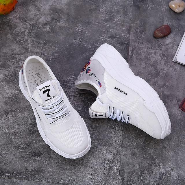5b8c8712aab420 Популярные стильные белые кроссовки летние женские кроссовки женские  дышащие уличные женские прогулочные спортивные кроссовки balenciaca