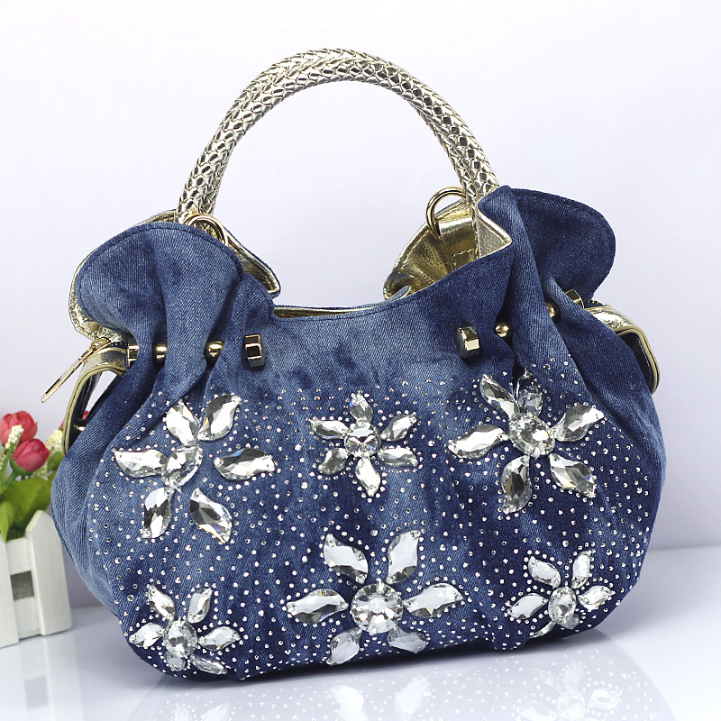все цены на 2018 women denim rhinestone handbag flower dumpling bag ladies small shoulder bag messenger bag one shoulder cross body bag онлайн