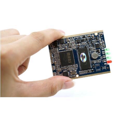 Carte PCB en temps réel 1CH Mini HD XBOX DVR jusqu'à D1 (704*576) 30fps prend en charge la carte sd 32 GB