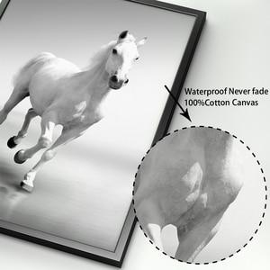 Image 4 - أسود أبيض الحصان المشهد الرسم على لوحات القماش الجدارية الشمال الملصقات و يطبع الحيوان جدار صور لغرفة المعيشة ديكور المنزل