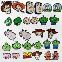 P1518 dongmanli historieta Toy Story Pendientes Juguetes Woody Buzz  Lightyear oído Anillos joyería chica niños regalo de cumplea. 9f5d3a67545