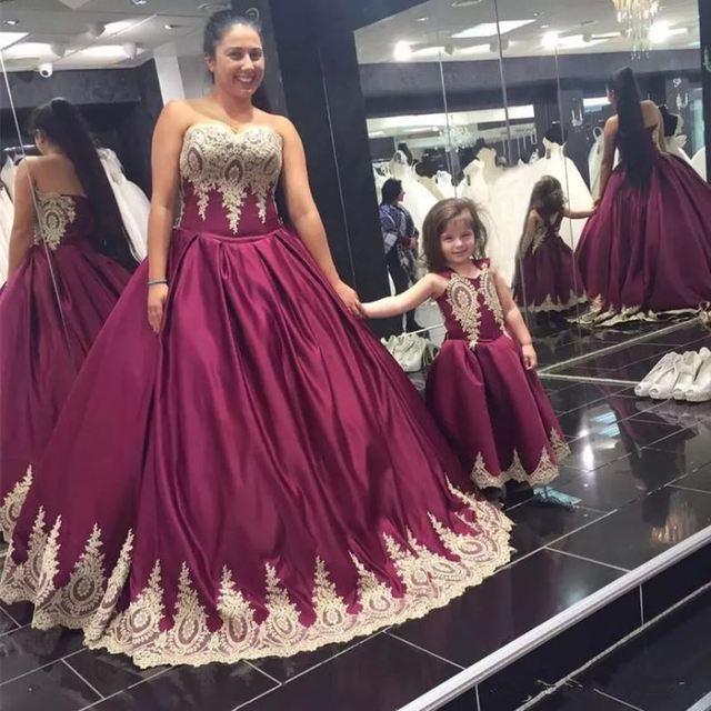 Elegant Long Burgundy Prom Dresses Sweetheart Ball Gown Lace Applique Satin Evening Gown