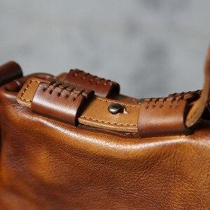 Image 4 - Aetoo original dos homens bolsa mensageiro artesanal bolsa de couro retro feminino curtido bolsa de couro macio
