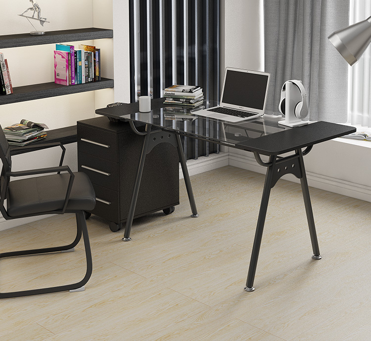 Desktop computer desk. A single desk. Toughened glass desk.  Стол