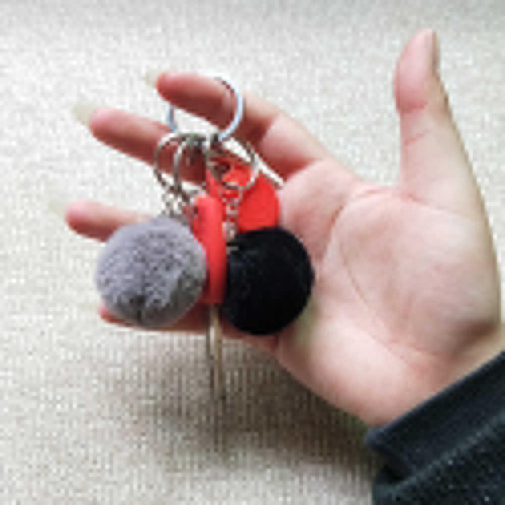 Cores Hot Sale Bugiganga 27 Pompons Fofo Chaveiro Trinkets Keychain Chaveiros Chaveiro de Pele De Coelho Do Falso para DIY 4 cm llaveros