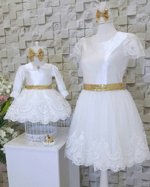 Free skipping white lace girl prom gown long sleeve scoop ball gown flower rocks for first communion with gold sash cute new long sleeves white ball gown flower girl dresses french lace beaded first communion dress with sequin bow and sash