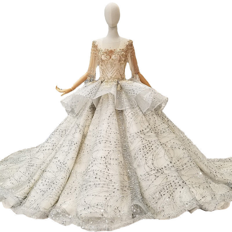 2018 New Bling Bling Crystals Lace Beads Half Sleeves Scoop Neck Cathedral Train Bridal Gowns Ball Gown Vintage Wedding Dresses