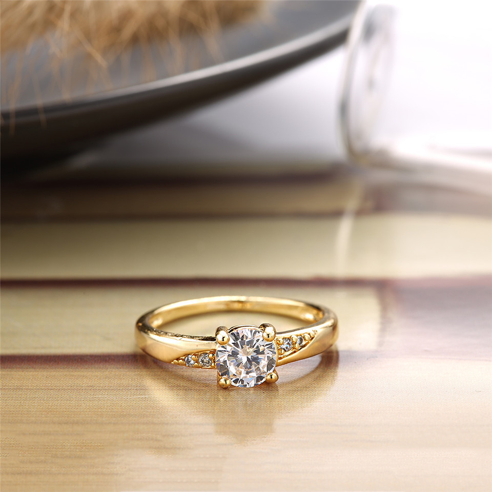 Ladies  Yellow Gold Plated Fashion Solitaire Ring Round CZ Center Clear