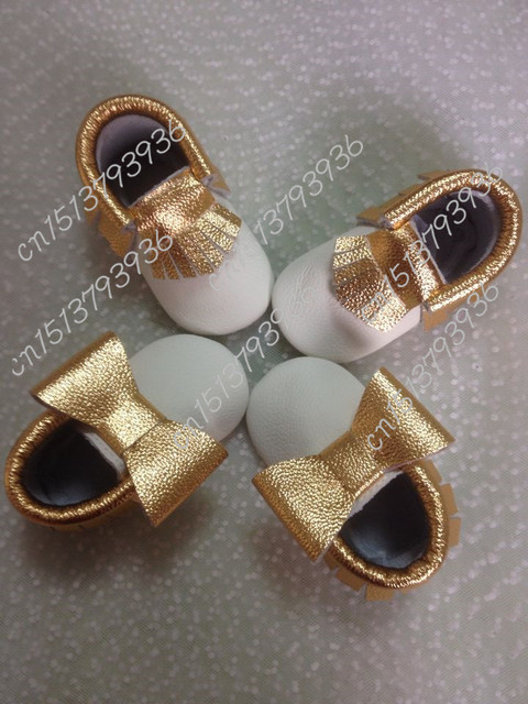 Новый Золотой лук Fringe кисточкой Натуральная Кожа Девочка Рождественские обувь Мокасины Принцесса Мягкие Туфли Первые Ходунки младенческой