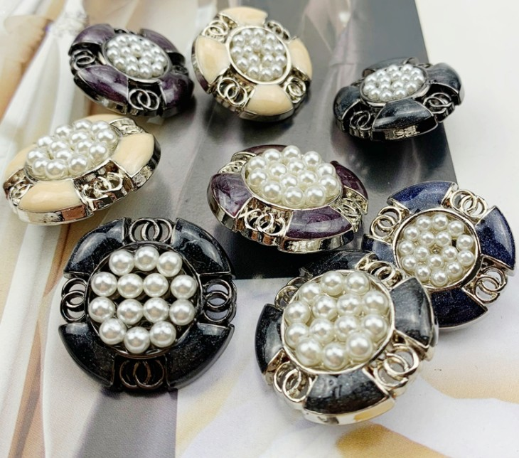 2019 New 10 pcs Drip oil High grade Metal Diamond jacket buttons shirt Sweater button Decorations