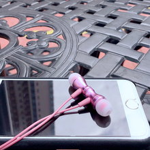 Novo Fone de Ouvido Gancho fone de Ouvido In-line de Controle Magnético Clareza de Som Estéreo Fones De Ouvido Com Microfone Para xiaomi Telefone Móvel Telefone