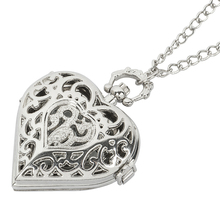 цена Fashion Vintage Retro Quartz Pocket Watch Love Heart Shape Glass Pendant Sweater Chain Clock Necklace Gifts