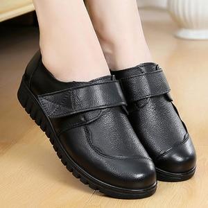Image 2 - Womens shoes black shoes women flats leisure round toe ladies flats large size 41 genuine leather shoes sapato feminino