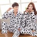 2017 Conjuntos de Pijama Casal Inverno Coral Grossa de Veludo Macio E Confortável Quente Homens Encapuzados Pijama Bonito Sleepwear Pijama Masculino
