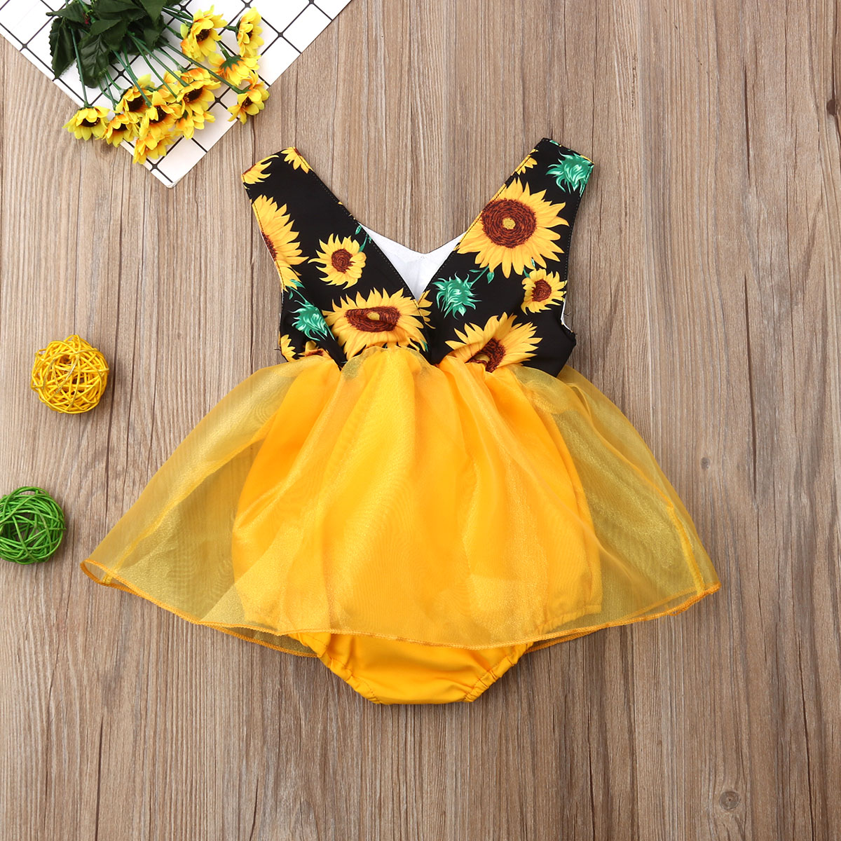 0 18M Baby Girl Rompers Dress Summer Sleeveless V Neck Sunflower Romper Dress Yellow Tulle Tutu Sunsuit Clothes Dress 2019 New in Dresses from Mother Kids