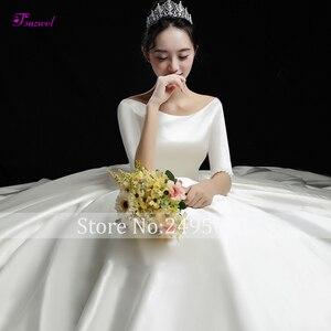 Image 2 - Fsuzwell robe de mariée de luxe en Satin avec traîne chapelle, dos nu, ligne a, col rond, demi manches perlées, princesse, modèle 2020