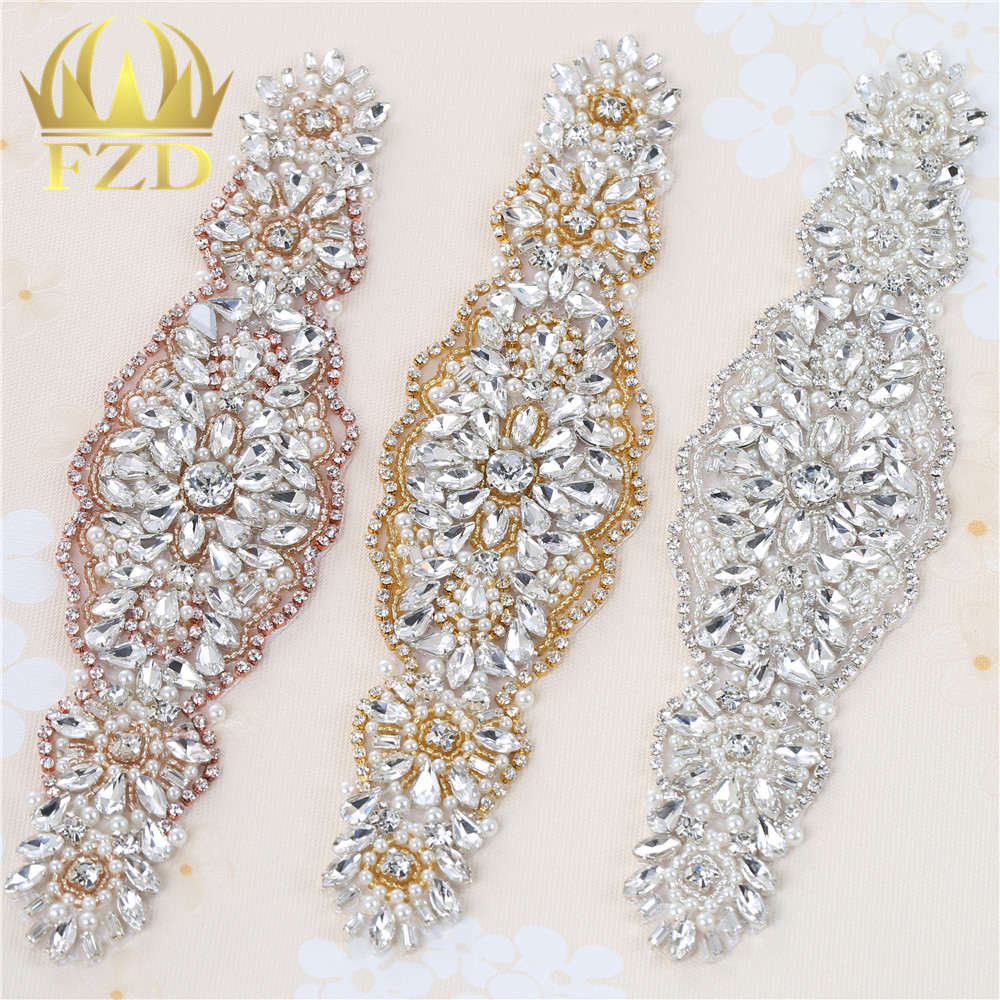 96f86adf6 30 unidades boda Diamantes con piedras falsas vestido Accesorios applique  oro garra plata motif cristales Costura cuentas Parches para la liga nupcial