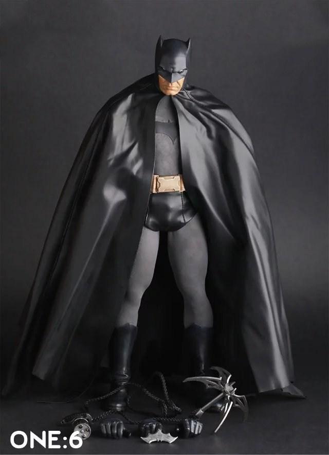 HKXZM Movie Figure 30CM Batman 1/6th Scale PVC Figure Collectible Toys Model GiftHKXZM Movie Figure 30CM Batman 1/6th Scale PVC Figure Collectible Toys Model Gift