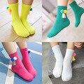 2016 nueva manera coreana niños calcetines con dos pequeña bola de pelo y borla para las muchachas lindas calcetines 6 par/lote kid calcetín de alta calidad