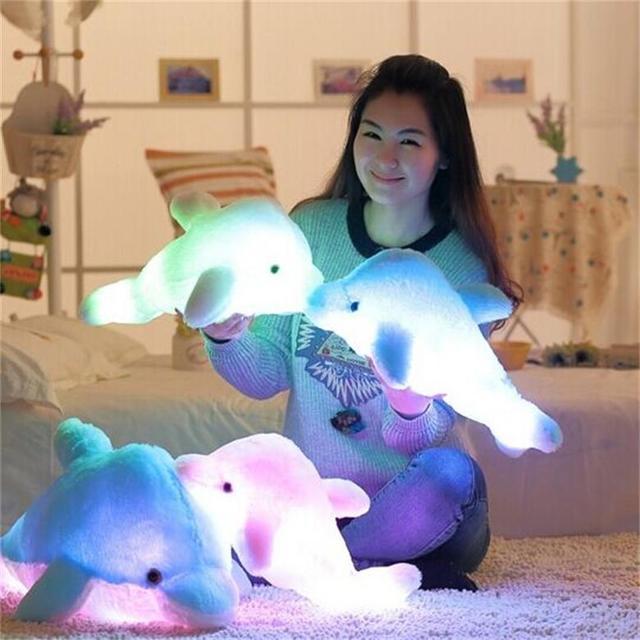 Lindo Luminoso y Sonando Delfín Almohada de Felpa Juguetes de Navidad 45 cm Luz Led Colorido Sueño Almohada Juguetes de Peluche para Los Niños regalo