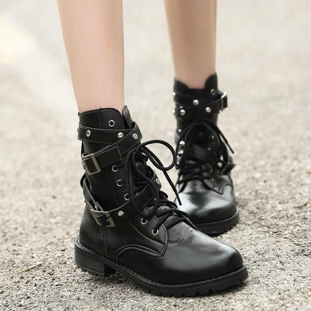 SWYIVY 2019 motosiklet çizmeler bayanlar Vintage savaş sonbahar çizmeler ordu Punk Goth kadın botları kadın Biker PU deri kısa çizmeler